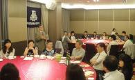 関大台湾OB会<br />台中での例会に30人集う 母校の交換留学生を招待